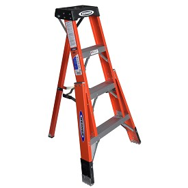 Werner 4 ft. Fiberglass Tripod Stepladder FTP6200 Series